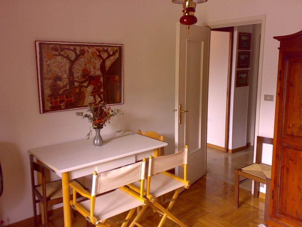 Апартаменты в Валле-д'Аоста, Италия, 80 м2 - фото 1