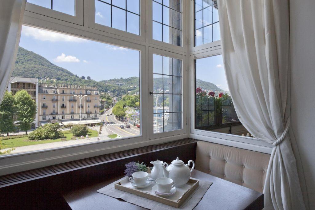 Апартаменты у озера Комо, Италия, 250 м2 - фото 1