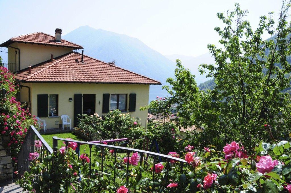 Вилла у озера Комо, Италия, 225 м2 - фото 1