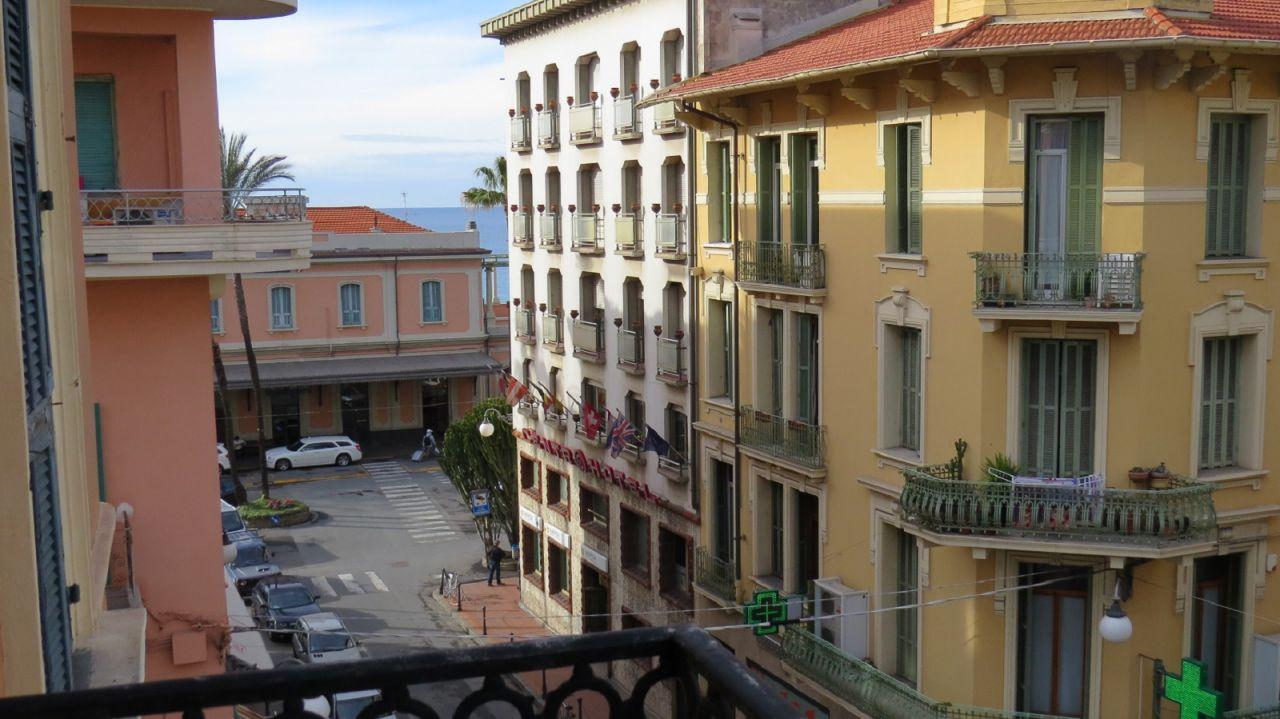 Квартира в Бордигере, Италия, 170 м2 - фото 1