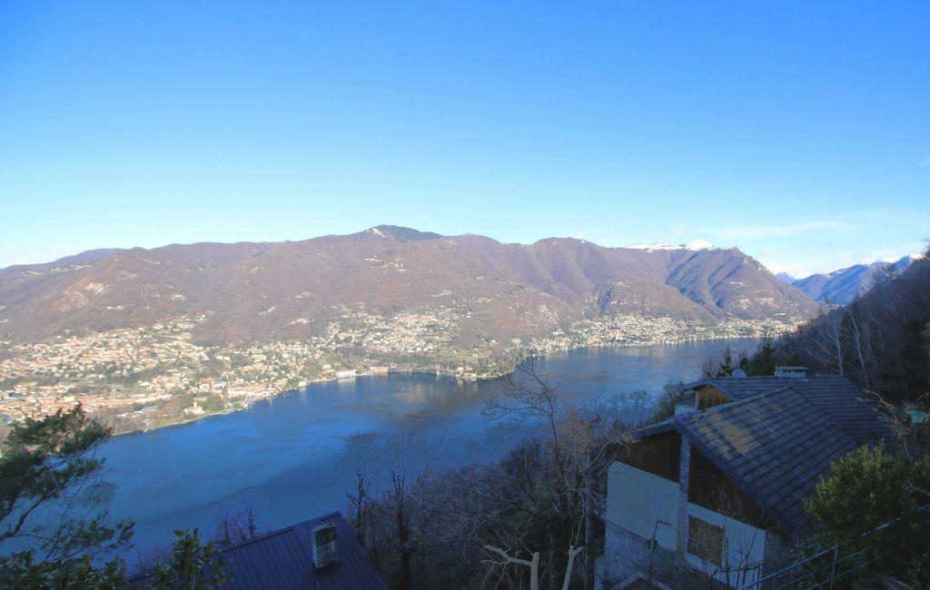 Вилла у озера Комо, Италия, 1200 м2 - фото 1