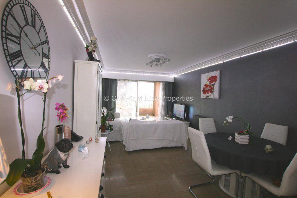 Квартира в Грасе, Франция, 70 м2 - фото 1