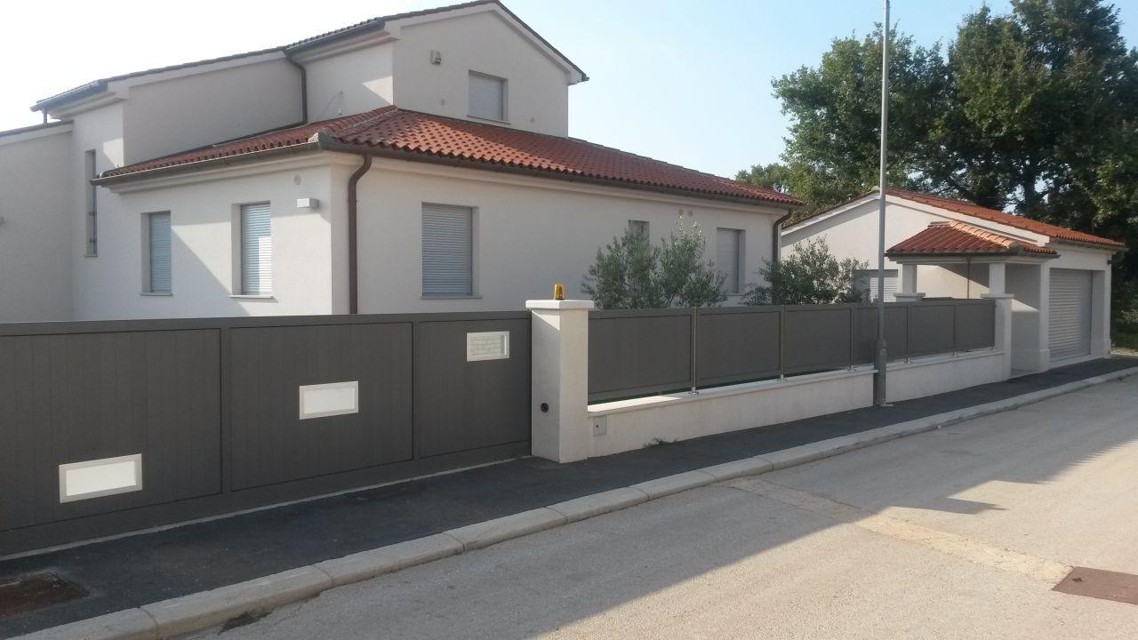 Дом в Пуле, Хорватия, 280 м2 - фото 1
