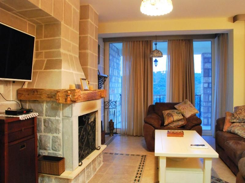 Квартира в Бигово, Черногория, 154 м2 - фото 2