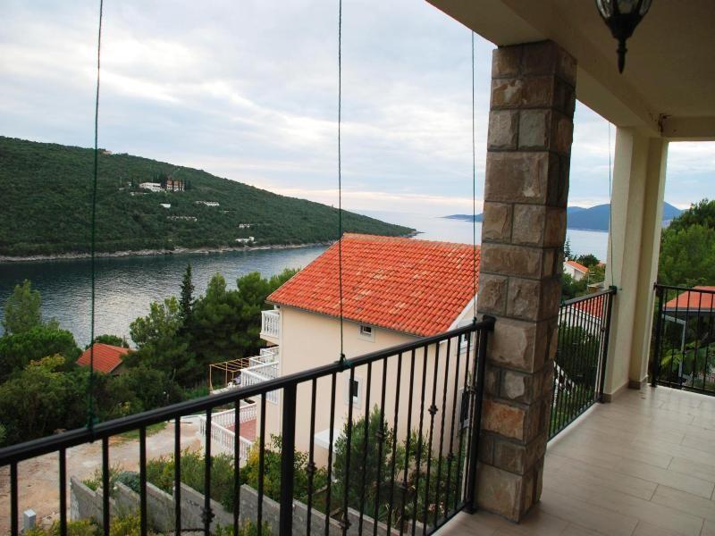 Квартира в Бигово, Черногория, 154 м2 - фото 1