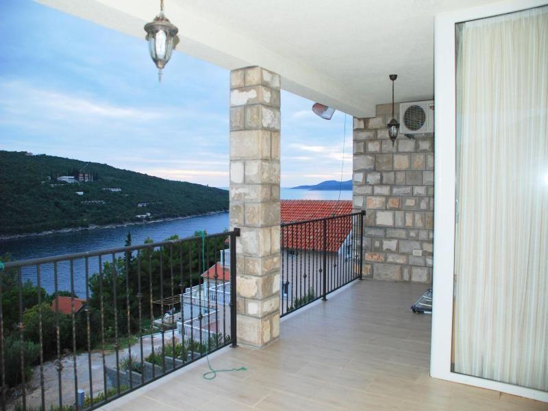 Квартира в Бигово, Черногория, 154 м2 - фото 8