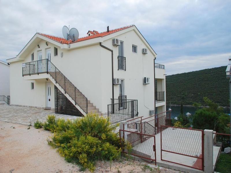 Квартира в Бигово, Черногория, 154 м2 - фото 12