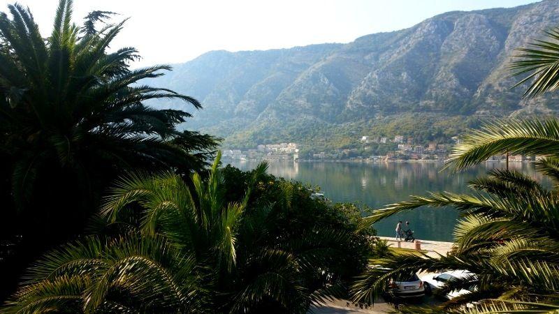 Квартира в Доброте, Черногория, 83 м2 - фото 1