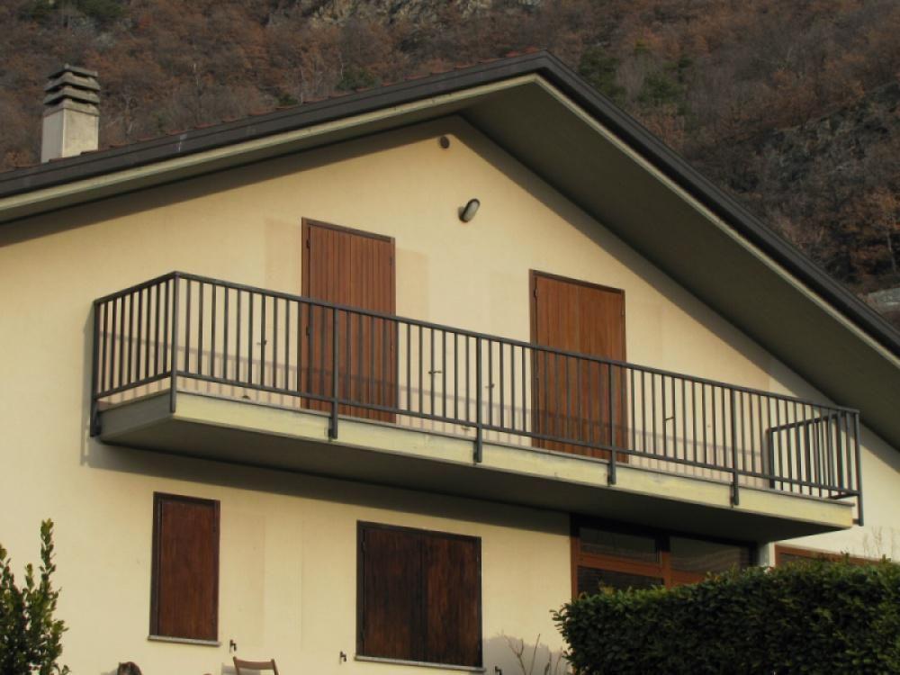 Апартаменты в Валле-д'Аоста, Италия, 105 м2 - фото 1