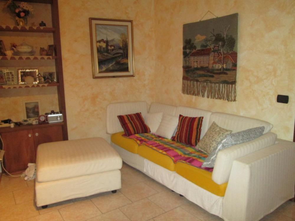 Апартаменты в Валле-д'Аоста, Италия, 75 м2 - фото 1