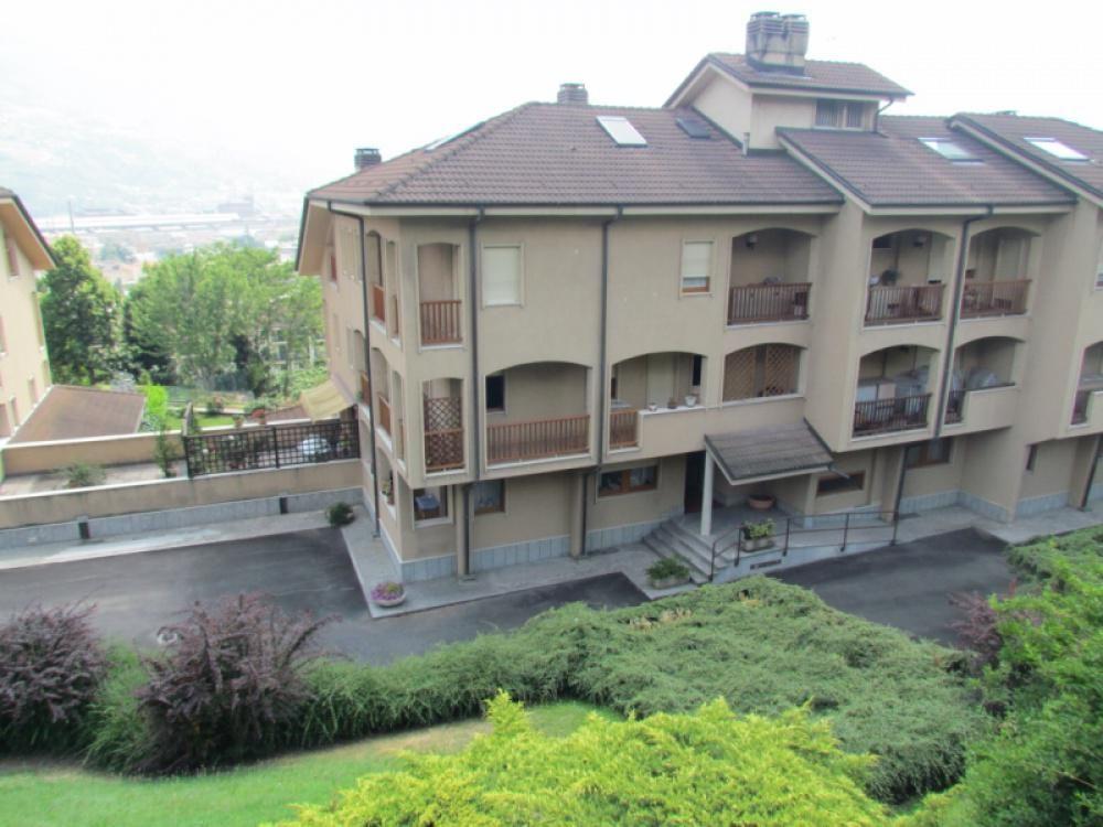 Апартаменты в Валле-д'Аоста, Италия, 77 м2 - фото 1