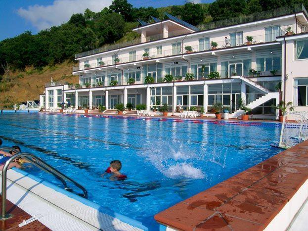 Отель, гостиница в Вибо Валентии, Италия, 5825 м2 - фото 1