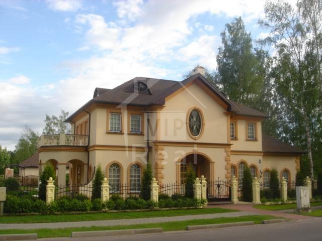 Дом в Юрмале, Латвия, 1749 м2 - фото 1