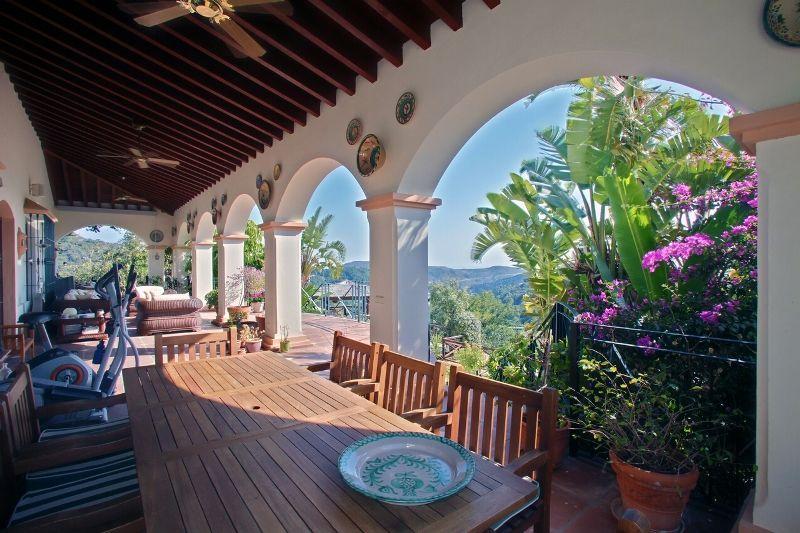 Вилла на Коста-дель-Соль, Испания, 484 м2 - фото 2