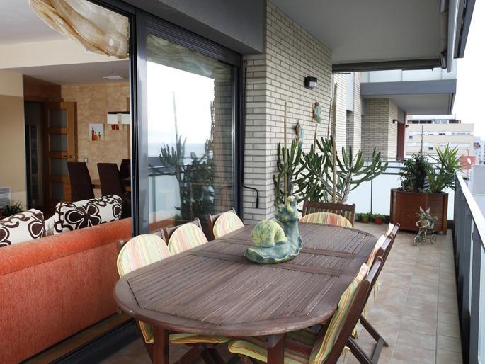 Квартира в Бадалоне, Испания, 140 м2 - фото 1