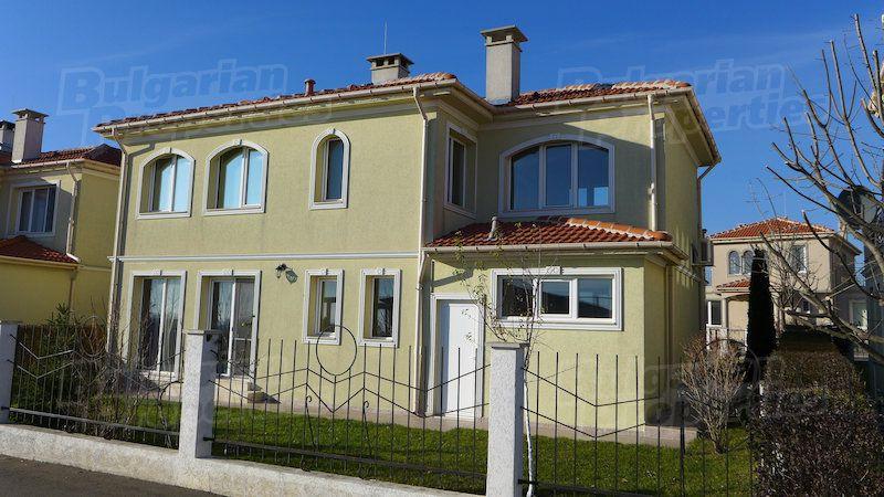 Дом в Бургасе, Болгария, 166 м2 - фото 1