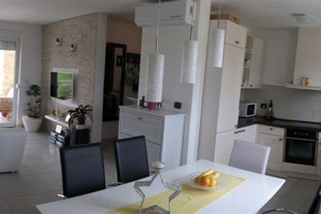 Квартира в Буйе, Хорватия, 75 м2 - фото 1