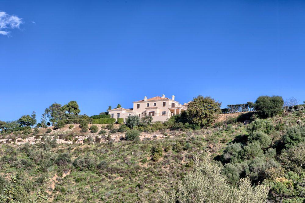 Вилла на Коста-дель-Соль, Испания, 8178 м2 - фото 1