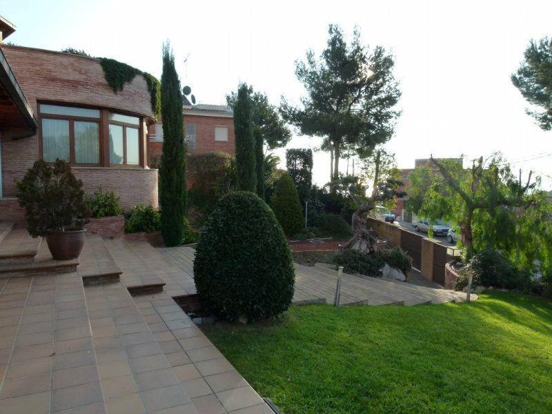 Вилла в Барселоне, Испания, 2100 м2 - фото 1