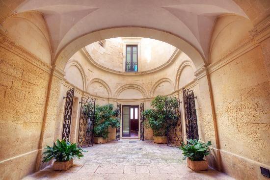 Апартаменты в Пулье, Италия, 1250 м2 - фото 1