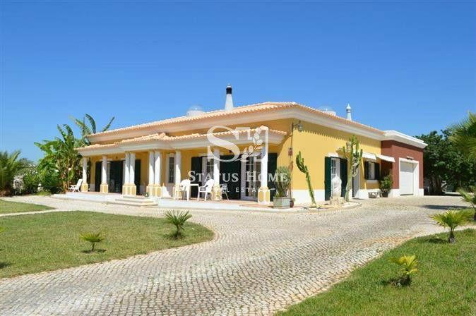 Вилла в Алгарве, Португалия, 250 м2 - фото 1