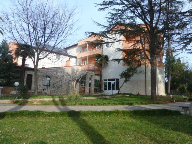 Отель, гостиница в Медулине, Хорватия, 400 м2 - фото 1