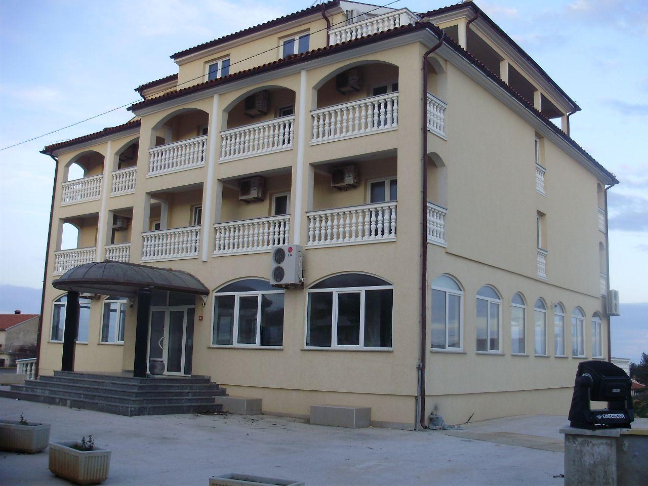 Отель, гостиница в Лижняне, Хорватия, 1500 м2 - фото 1