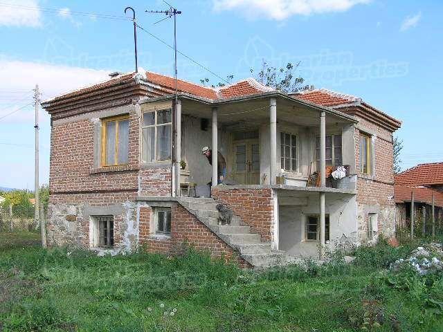 Дом в Ямболе, Болгария, 1660 м2 - фото 1