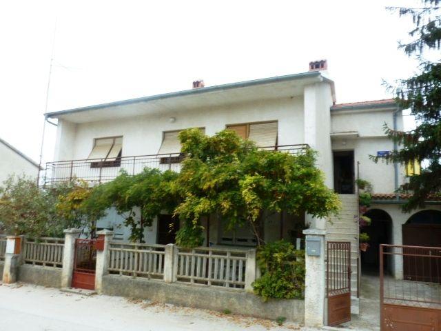 Дом в Пуле, Хорватия, 800 м2 - фото 1