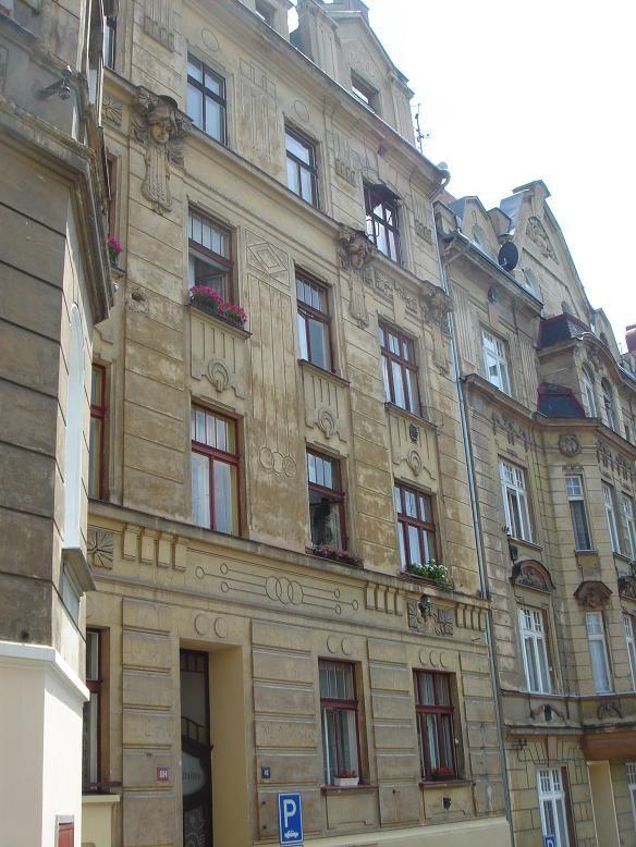Дом в Карловых-Варах, Чехия, 800 м2 - фото 1