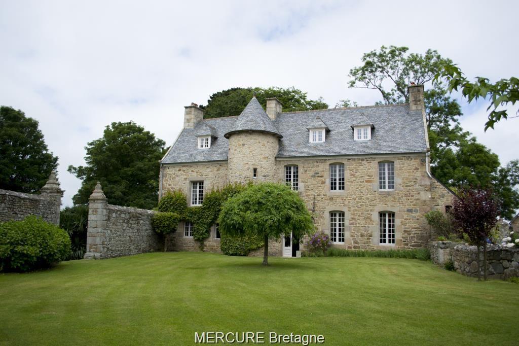 Замок в Бретани, Франция, 240 м2 - фото 1