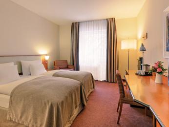 Отель, гостиница в Дюссельдорфе, Германия, 1800 м2 - фото 1