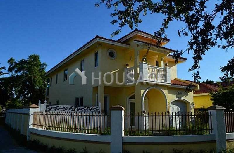 Дом в Майами, США, 241 м2 - фото 1