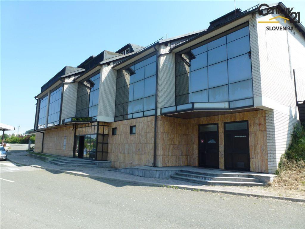 Коммерческая недвижимость в Мариборе, Словения, 1210 м2 - фото 1