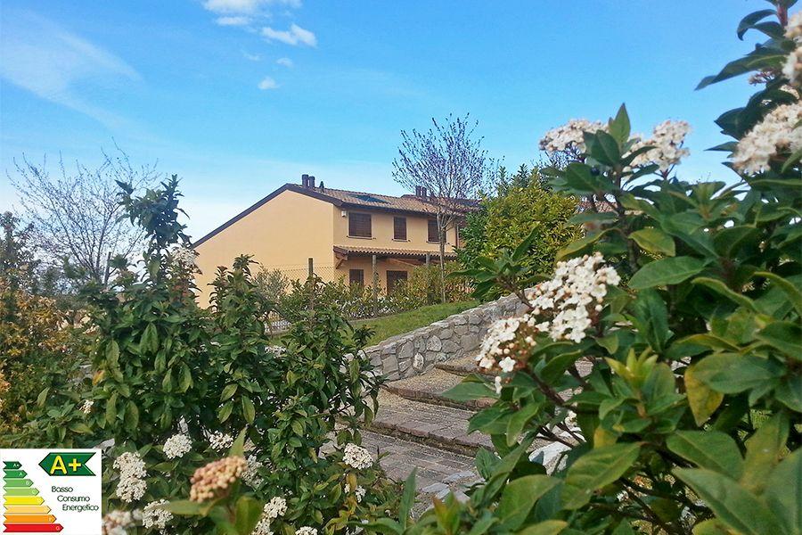 Вилла в Умбрии, Италия, 306 м2 - фото 1