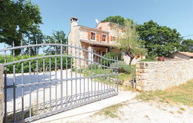 Дом в Водняне, Хорватия, 695 м2 - фото 1