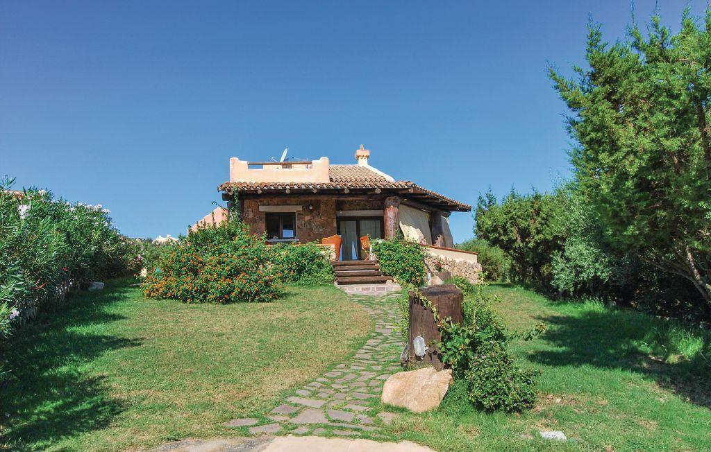 Вилла в Сассари, Италия, 800 м2 - фото 1