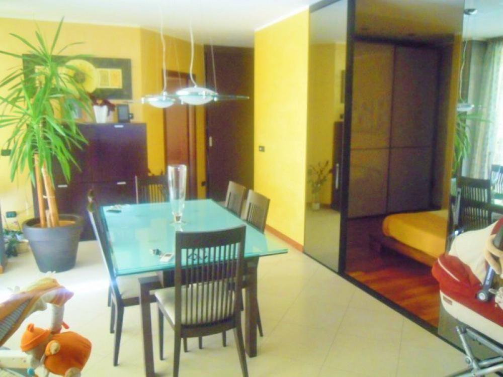 Апартаменты в Валле-д'Аоста, Италия, 127 м2 - фото 1