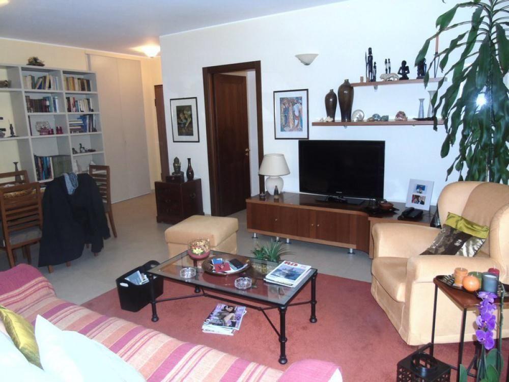 Апартаменты в Валле-д'Аоста, Италия, 110 м2 - фото 1