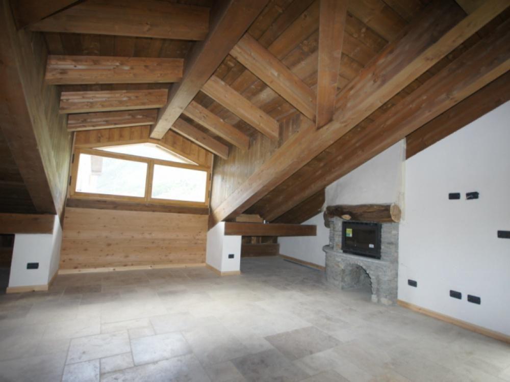 Апартаменты в Валле-д'Аоста, Италия, 87 м2 - фото 1