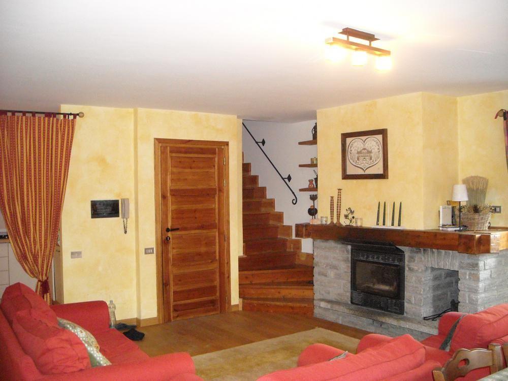 Апартаменты в Валле-д'Аоста, Италия, 95 м2 - фото 1