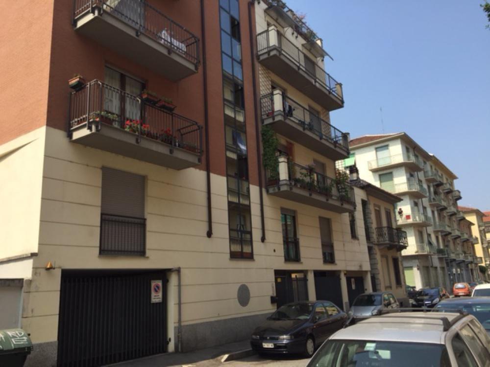 Апартаменты в Турине, Италия, 80 м2 - фото 1