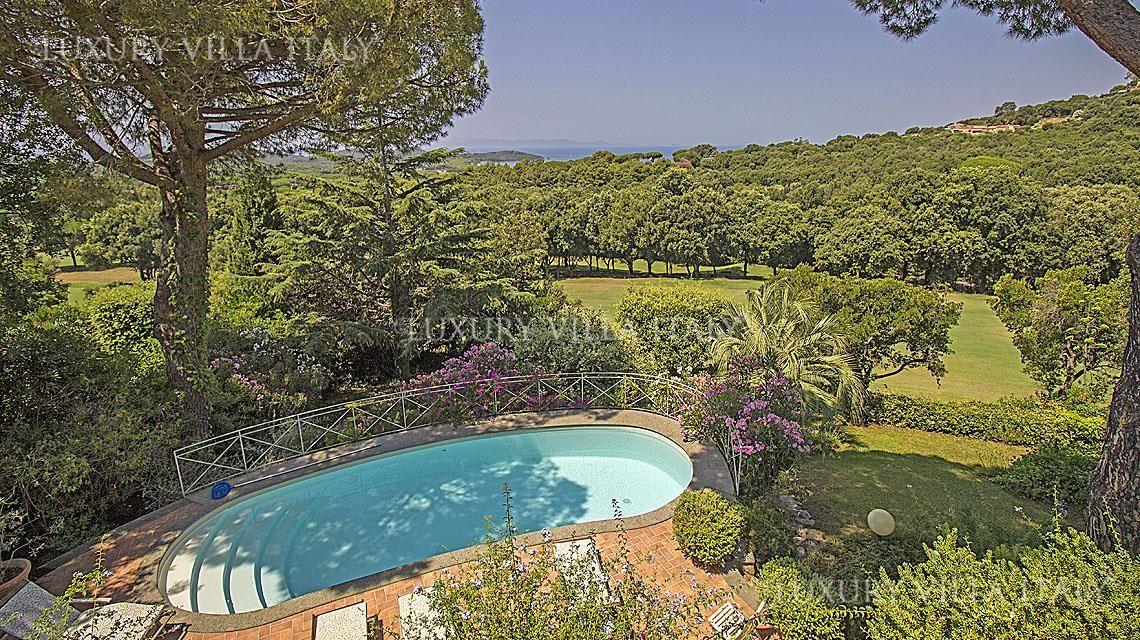 Дом в Пунта-Ала, Италия, 1040 м2 - фото 1