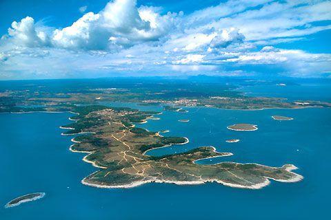Земля в Медулине, Хорватия, 1000 м2 - фото 1