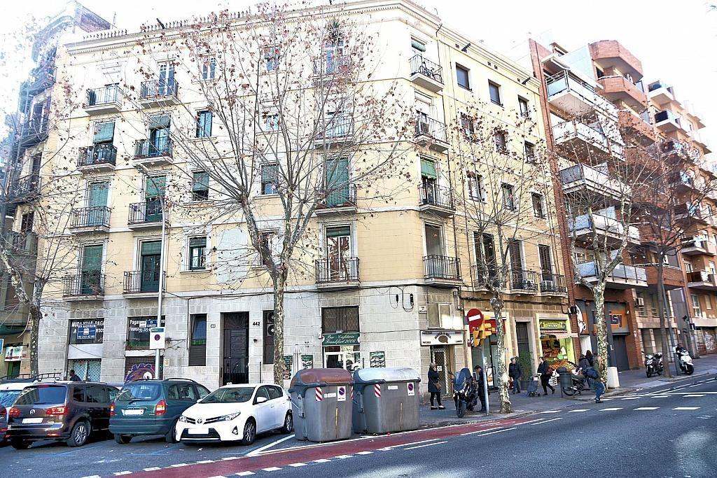 Доходный дом в Барселоне, Испания, 1100 м2 - фото 1