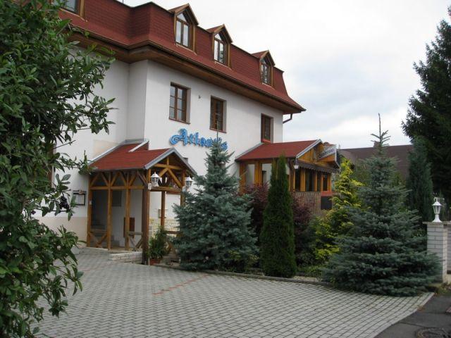 Коммерческая недвижимость в Марианске-Лазне, Чехия, 607 м2 - фото 1
