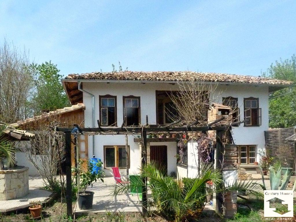 Дом в Велико Тырново, Болгария, 1350 м2 - фото 1