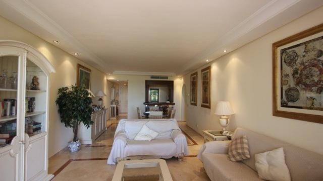 Квартира в Марбелье, Испания, 193 м2 - фото 1
