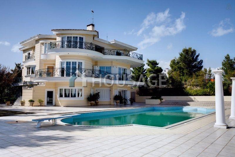 Недвижимость на берегу моря греции