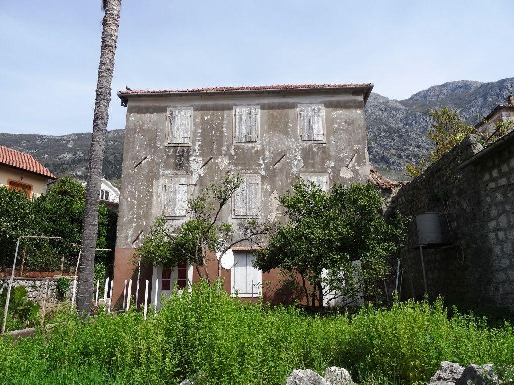 Дом в Рисане, Черногория, 314 м2 - фото 1